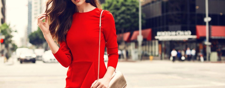 9 articole de îmbrăcăminte pe care orice femeie ar trebui să le dețină la 30 de ani