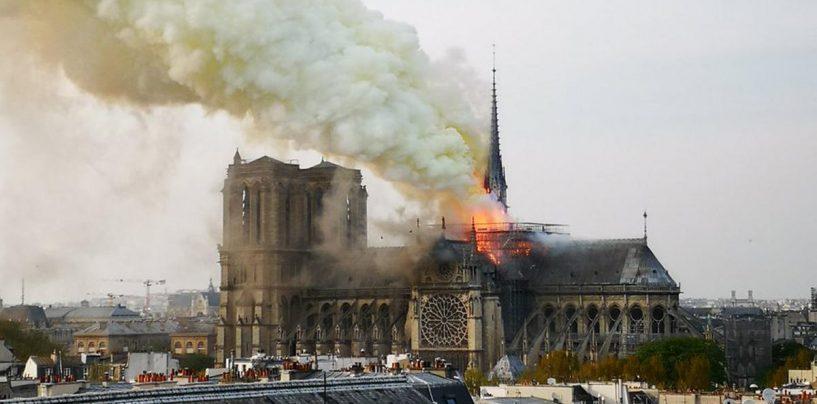 Franța, în flăcări! Catedrala Notre Dame de Paris, cuprinsă de un incendiu devastator