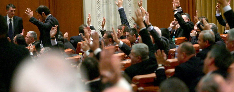 Vot final în Parlament!Noile Coduri Penale, pe repede înainte