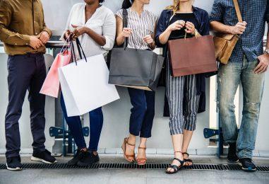 Sigur și tu îți cumperi hainele greșit – Dezavantaje ale industriei de fashion de care trebuie să fii conștient acum!