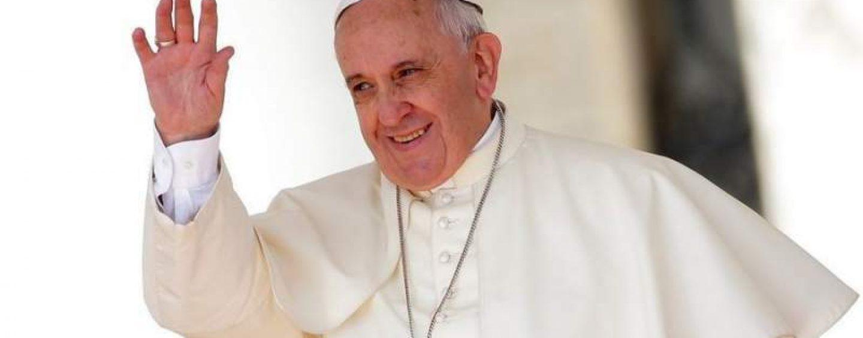 Obrăznicia UDMR: Ungurii cer socoteală SPP pentru ștergerea cuvintelor în limba maghiară de pe veșmântul Papei