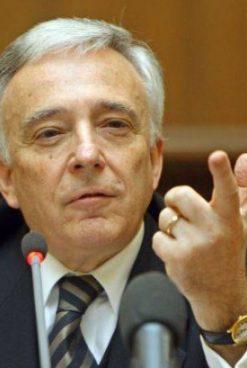 Isărescu, pe viață la conducerea BNR. PSD îl susține pentru un nou mandat