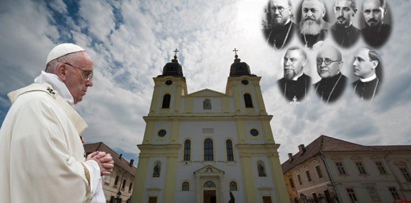 Vizita Papei în România. Beatificarea a șapte episcopi greco-catolici pe Câmpia Blajului