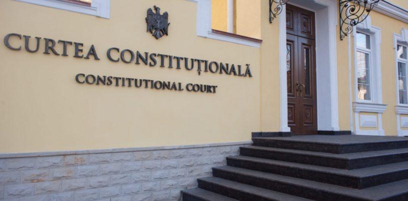 CCR: Iohannis, obligat să numească miniștri interimari