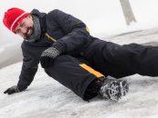 De ce ajung românii iarna la urgențe? Top 3 PERICOLE de care să te ferești în sezonul rece