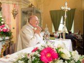 Erou în Italia. Un preot a cedat unui tânăr ventilatorul mecanic. A murit mai târziu