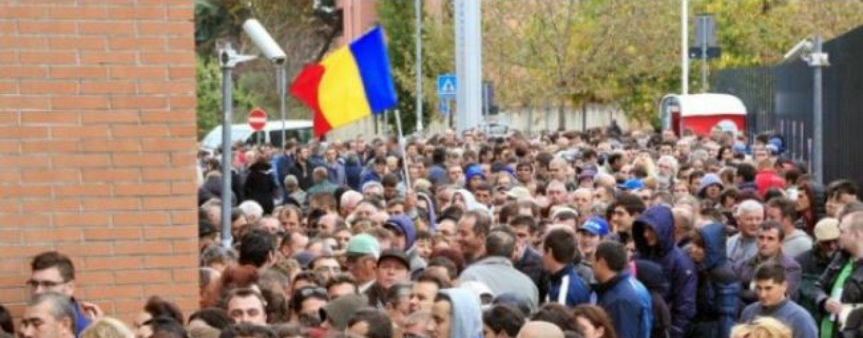 Românii din Italia: Iohannis ne-a folosit în alegeri și acum ne-a abandonat