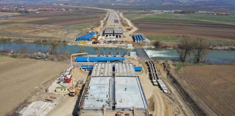 Aici nu există criză! Care sunt soluțiile propuse de antreprenorii români pentru continuarea proiectelor de autostrăzi