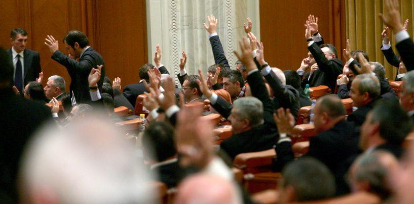 Proiect de lege, adoptat în Camera Deputaților. Persoanele fizice și juridice pot cere amânarea plății utilităților