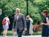 Firme fantomă, legături ascunse cu Barna. Și totuși, cine este Radu Mihaiu, candidat PNL-USRPlus, la sectorul 2?