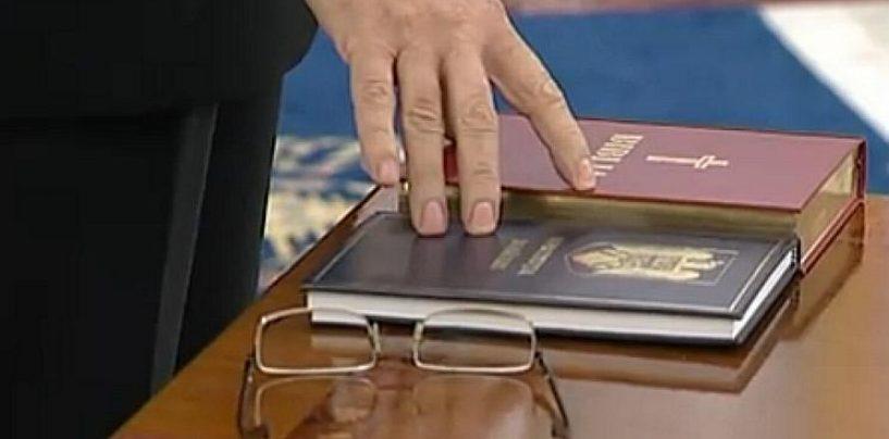 Fără niciun Dumnezeu! Consilierii locali USR refuză să jure pe Biblie la investire