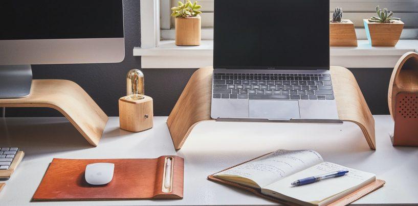 Cum sa lucrezi comod de acasa: sfaturi pentru a-ti pastra energia si dedicarea atunci cand ai biroul acasa