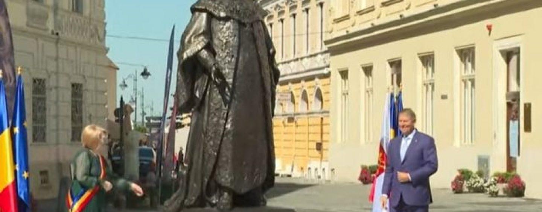 Criminalul lui Horea, omagiat la Sibiu.  Iohannis, la inaugurarea statuii baronului Brukenthal